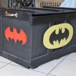 la caisse des super-héros attend les périscolaires au retour de l'école, couplée aux histoires de super héros, quel bonheur