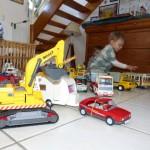 et dans le matériel proposé aux enfants, les playmobils on une place de choix, 2 grosses caisses sont à leur disposition, lorque mon choix porte sur cette activité, où que les enfants en font la demande !